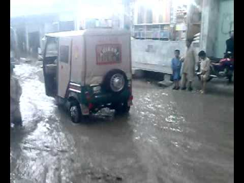 Gawal Mandi Chowk Quetta in Rainy weather at friday 29.4.2011
