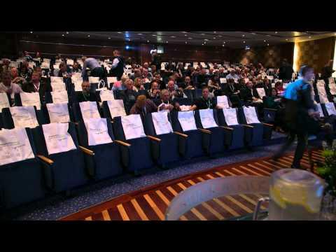 Slik ser det ut når 350 personer fyller auditoriet om bord