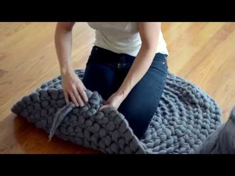How to Crochet a Giant Circular Rug - No-Sew