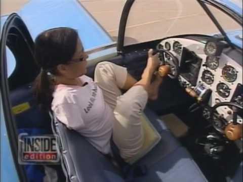 Девушка Джесика, рождённая без обеих рук, стала пилотом…