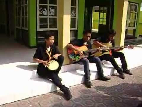 VOCAL GROUP SMA Negeri Mojoagung.AVI