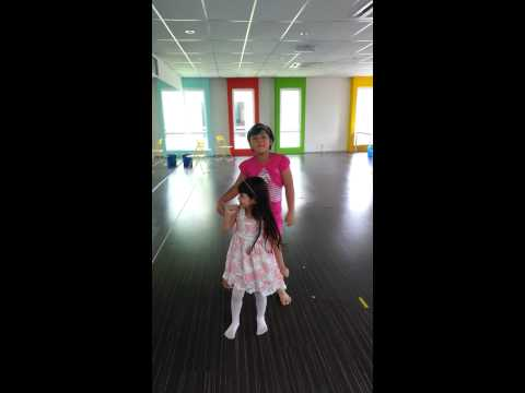 Hot Issue Dance - 4 Minutes by Dinie Ariana (Full Song)