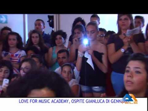 TGA1 - L'ATTORE GIANLUCA DI GENNARO NELL'ACCADEMIA LOVE FOR MUSIC ACADEMY