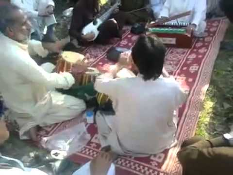 Tang takoor at pir baba 2013 Eid day