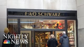 FAO Schwarz Making Christmas Comeback | NBC Nightly News - NBCNEWS