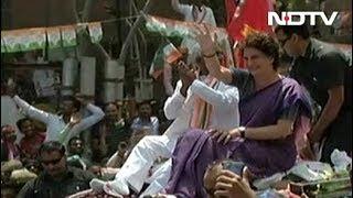 झांसी की लड़ाई : प्रियंका के रोड शो में उमड़ी भारी भीड़ - NDTVINDIA