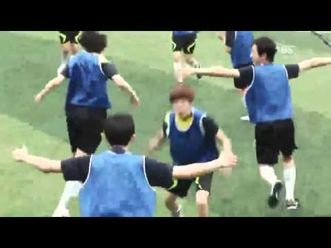 TTBY Lee Hyun Woo Playing Soccer (ENGSUB)