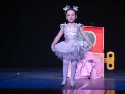 A Bailarina da Caixinha de Música - Yasmin Franklin