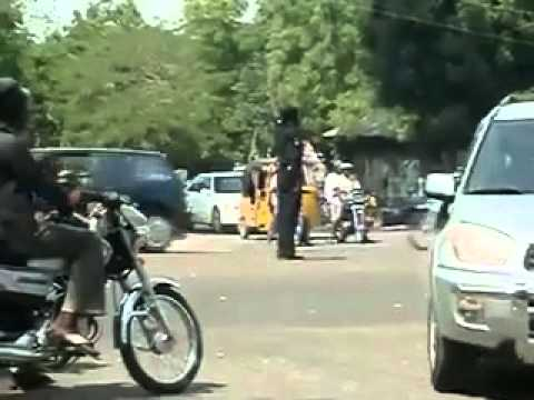 فيديو شرطة المرور في نيجيريا - شاهد وابتسم