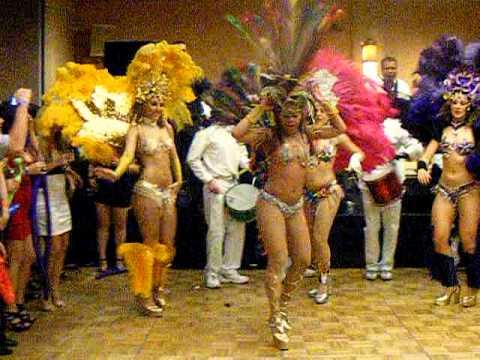 Garotas reciben el 2011 en San Francisco.AVI