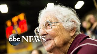 Loyola-Chicago's secret weapon: Sister Jean - ABCNEWS