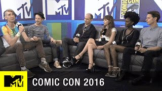 The Cast of Dirk Gently Help Build MTV's Set | Comic Con 2016 | MTV - MTV