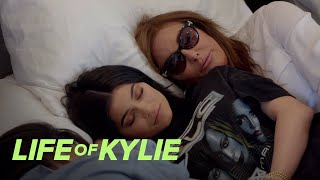 Caitlyn Tries to Cheer Up Kylie Jenner After Her Breakup | Life of Kylie | E! - EENTERTAINMENT