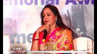 Simi Garewal, Hema Malini, Pamela Chopra at Yash Chopra memorial award ceremony | Bollywood News
