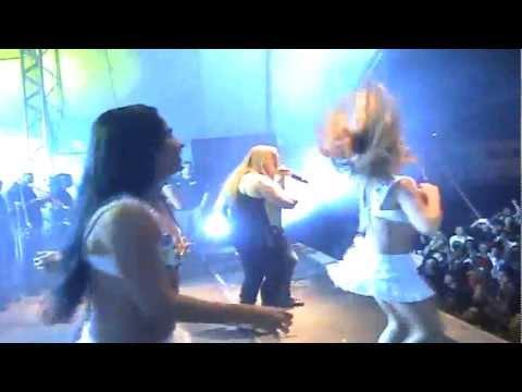 Kelly BBB 12 dançando na Banda Aviões do Forró com direito a xauzinho no final!
