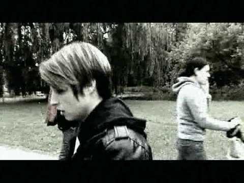 Skowyt - Ona jest Nazi