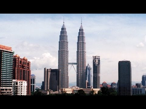 BASE Jumping Petronas Towers - Aerial Extreme