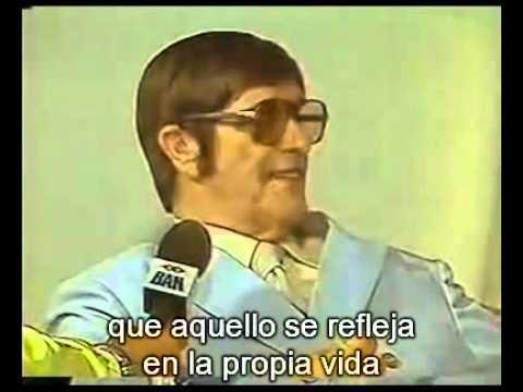 Chico Xavier entrevistado por H. Camargo (subtitulado al Español) en la Navidad de 1987