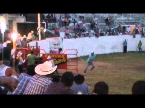 Torneo Regional de toros de reparo en Rancho de Villa 2012.wmv