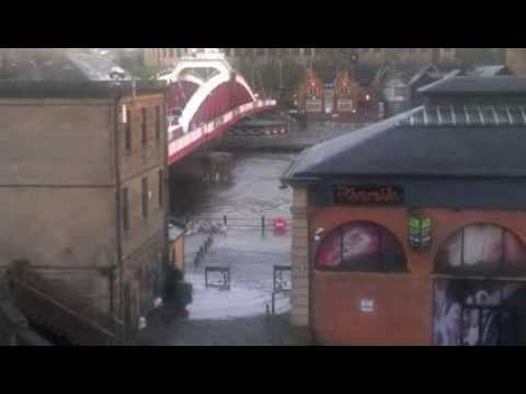 Newcastle River Tyne bursts Banks - Dec 5th 2013