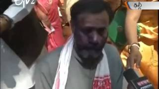 Ink smeared on AAP leader Yogendra Yadav's face at rally in Delhi - ETV2INDIA