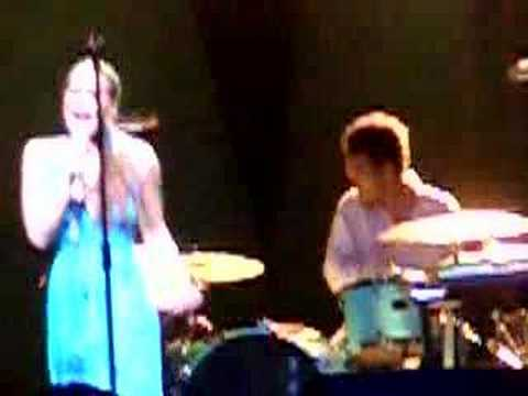 Fiona Apple live