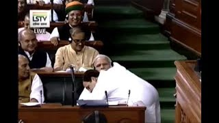Rahul hugs PM Modi after ending speech, says I may be 'pappu' for BJP but I've no hatred towards you - ZEENEWS