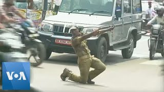Indian Dancing Cop Directs Traffic With Style - VOAVIDEO