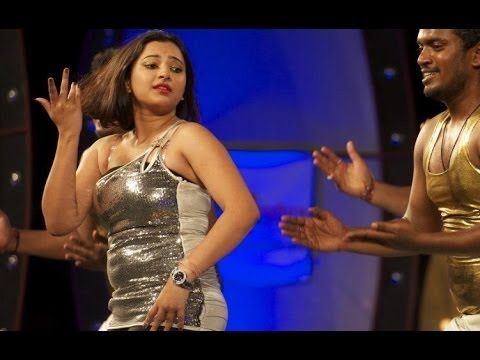 Swetha Basu Prasad (SBP) Stage Show At Dil Se Dubai Part 2