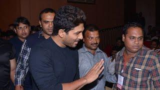 Allu Arjun Entry At Pilla Nuvvuleni Jeevitham Audio Launch - ADITYAMUSIC