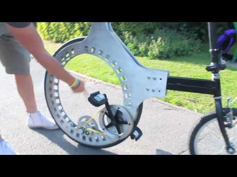 Компактный велосипед с необычным колесом