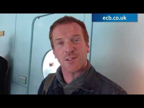 Homeland's Damian Lewis congratulates Matt Prior on award!