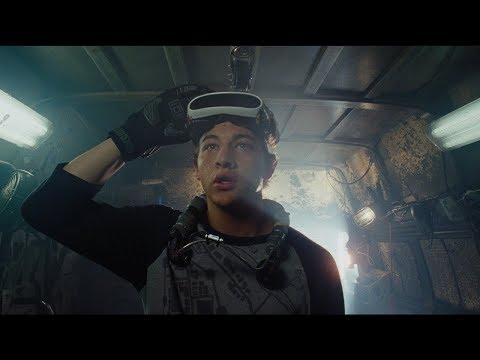 Film opowiada historię z przyszłości, gdy ludzie będą szukać ukojenia w wirtualnej rzeczywistości.