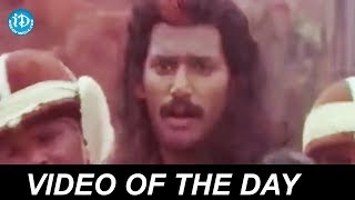 Reema Sen Saree Removing Scene || Telugu Romantic Scenes || Romance Of The Day #283 - IDREAMMOVIES