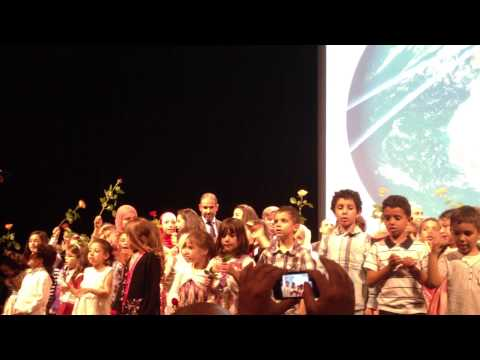 Muslim children singing for prophet Mohammad in French