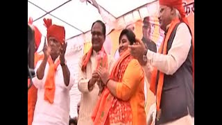 Sadhvi Pragya files papers in Bhopal, links Hindutva with development - ABPNEWSTV