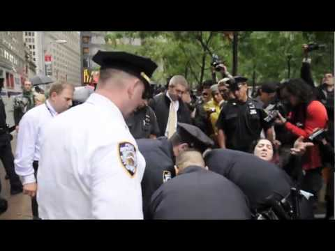 """I CAN'T BREATHE!"" - Police Shoving at 10:30AM at Liberty Plaza #occupywallstreet"