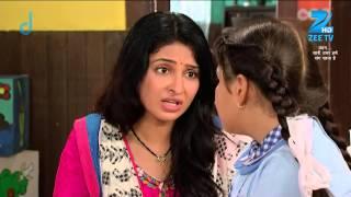 Darpan's mother tries to console her - Episode 25 - Bandhan Saari Umar Humein Sang Rehna Hai - ZEETV