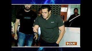 Race 3 star Salman Khan hosts Eid party - INDIATV