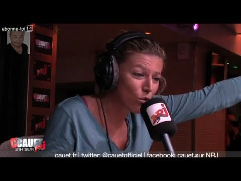 Clash violent entre Julie et une meuf au super jeu - C'Cauet sur NRJ