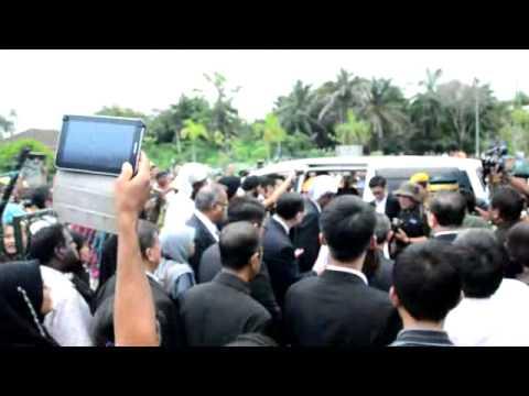 Ketibaan Abu Mayat Mangsa MH17 di Machang Bubuk