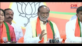 BJP President K Laxman welcomes T Cong leader Damodara Raja Narasimha's wife Padmini into party - CVRNEWSOFFICIAL