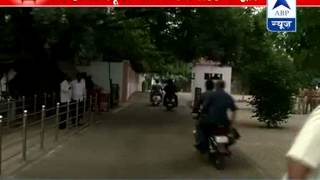 Transport minister Gadkari violates traffic rules l Reaches Bhagwat's house on scooty without helmet - ABPNEWSTV
