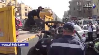 بالفيديو.. لحظة وصول الحماية المدنية لرفع حطام «المترو» بخط العباسية