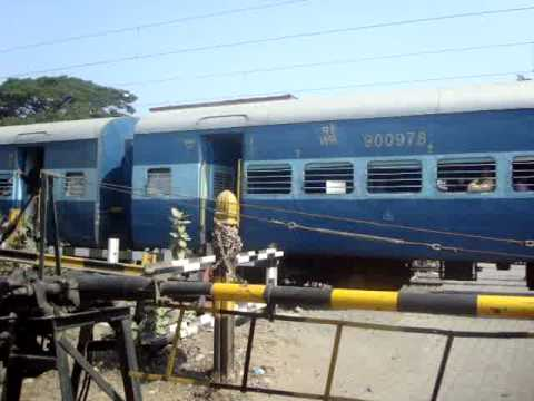 9012 Gujarat Express with WCAM2P