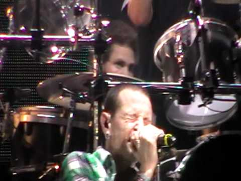 Linkin Park LIVE- 2011 Singapore Formula one concert -- Part 6