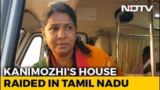 DMK Leader Kanimozhi's Home Raided By Income Tax Officials - NDTV