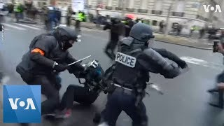 Yellow Vest Protesters Clash With Police in Paris - VOAVIDEO