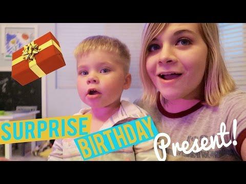SURPRISE BIRTHDAY PRESENT! 🎁 - VLOG // SoCassie