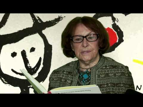 """Wanda Chotomska czyta swoją pierwszą książkę pt. """"Tere-fere"""""""